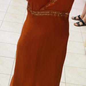 Oranžové šaty s flitry