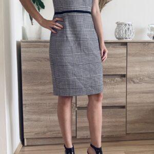 Šaty s kohoutí stopou