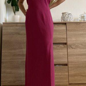 Dlouhé fuchsiové šaty