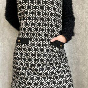 Černobílá vlněná šatovka č.160